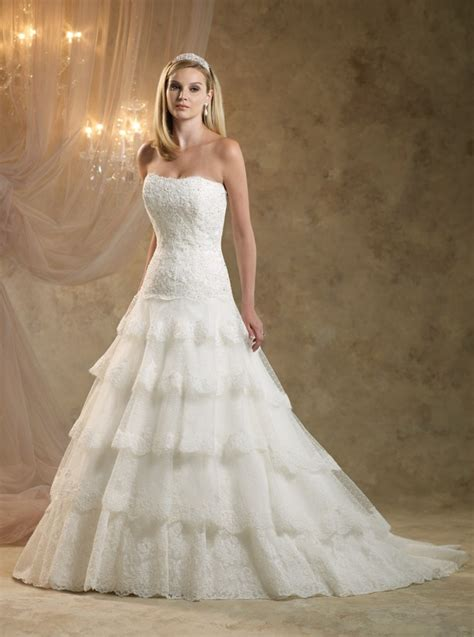 Looking For A Dress For A Wedding by Looking For Your Traditional Royal Wedding Dress