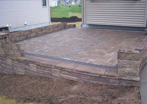 How To Build A Raised Paver Patio How To Build A Raised Patio With Retaining Wall Blocks
