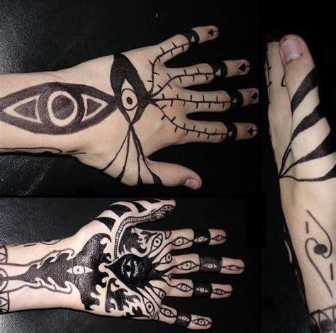 hand tattoo under 18 25 beautiful full hand tattoo ideas on pinterest full