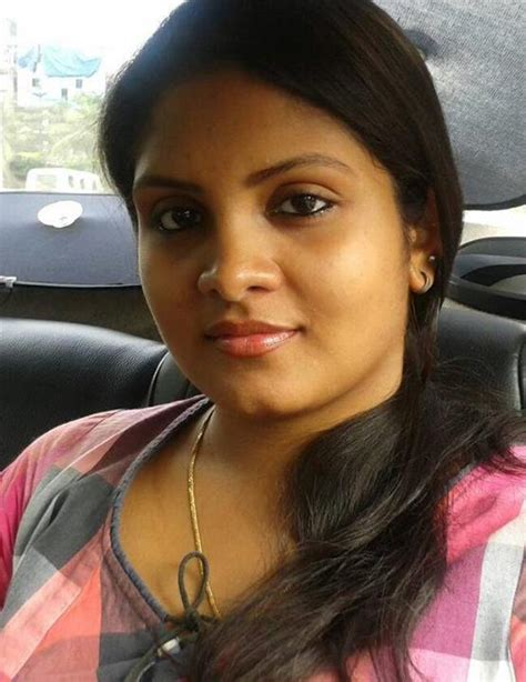 Gayathri Arun Parasparam Serial Actress Biography Photos Kerala Channel