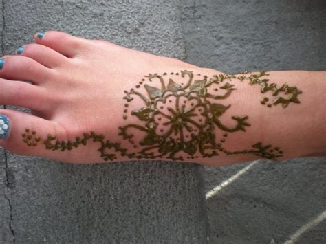 henna tattoo recipe how to make henna paste and apply to skin yogini