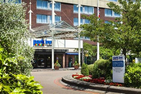 park inn lhr park inn by radisson heathrow compare deals
