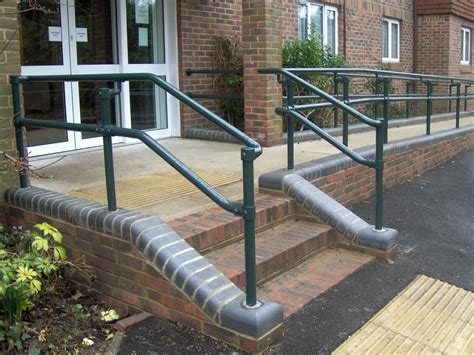 How To Build A Handrail For Outdoor Steps New Series 500 Ada Railing Systems To Build Ada Compliant