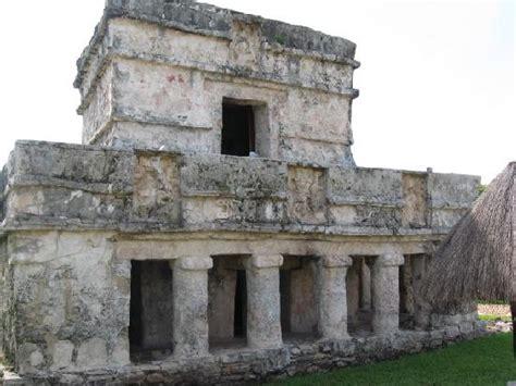imagenes construcciones mayas una de las varias construcciones mayas picture of ruins