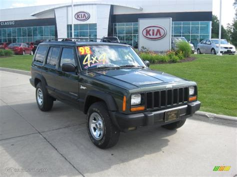 jeep sport green 1998 moss green pearl jeep cherokee sport 4x4 31791692