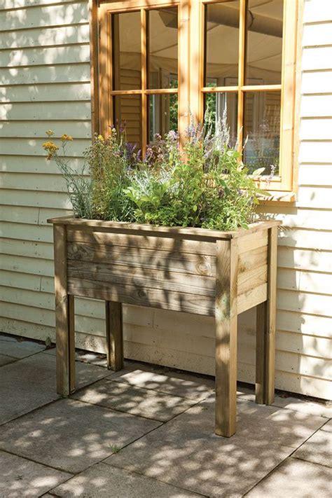 elevate  garden style   diy raised planter diy