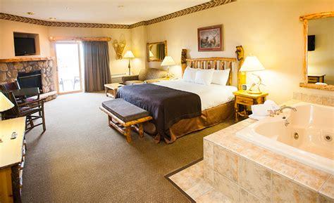 great wolf lodge niagara rooms niagara falls resorts family suites in canada