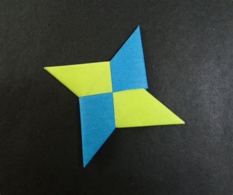 How To Fold A Paper Shuriken - 1000 images about origami crease patterns tessellation