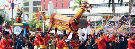 Hiasan Adat Bali Untuk Di Rambut 5 upacara tradisional indonesia yang unik dan khas