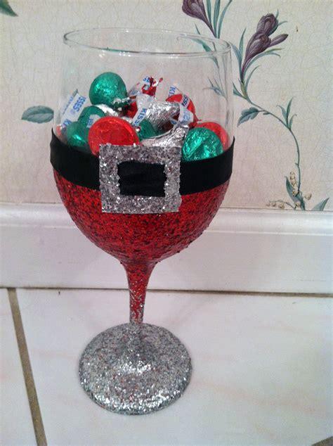 santa glitter wine glass made by madison