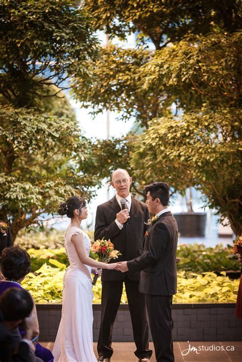 The Hong?s Wedding at Calgary?s Devonian Gardens and