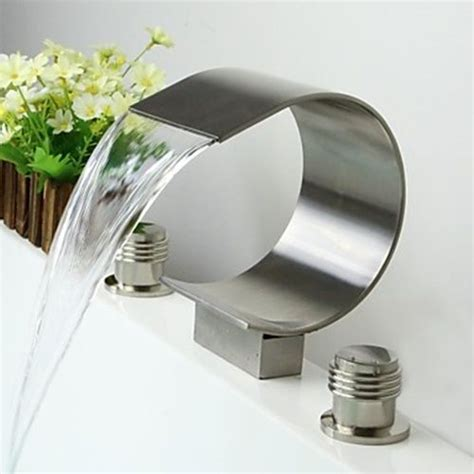 traditional bathroom sink faucets best 25 bathroom sink faucets ideas on sink
