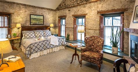 luxury cedarburg bed and breakfast rooms fireplaces