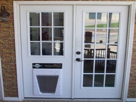 Accordion Glass Patio Doors Sliding Glass Door With Dog Doggie Doors In Glass Doors