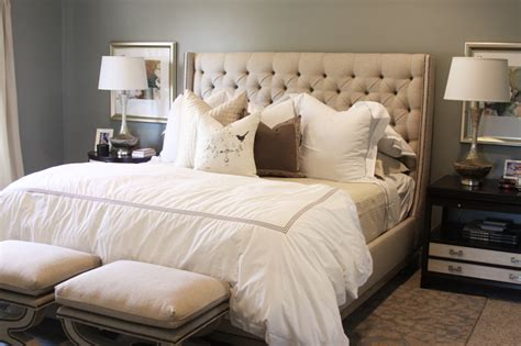 Bedroom With Tufted Headboard by Tufted Wingback Headboard Bedroom
