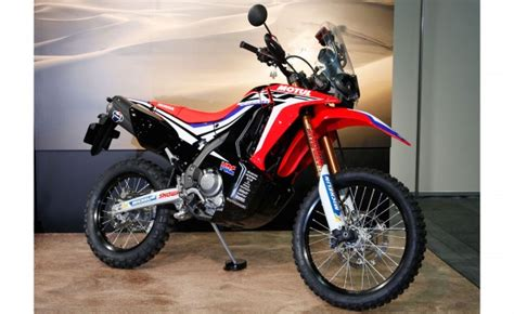 Helm Crf 250 Rally By Aripartzone honda reveals crf250 rally prototype