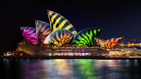 opera house vivid lighting the sails at sydney opera house helloluxx