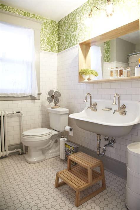Bathroom Wallpaper Vintage Stunning Vintage Bathroom With Ferm Living Flower