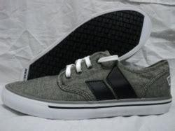 Harga Macbeth Langley sepatu olahraga original keren adidas asics onitsuka