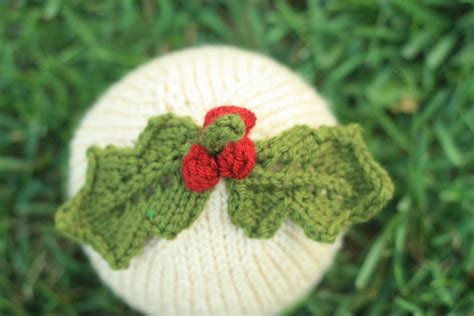 holly leaf pattern knitting knit baby hat holiday holly leaves with berries by