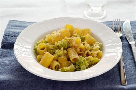 ricette cucina ricetta pasta con broccolo romanesco la ricetta della