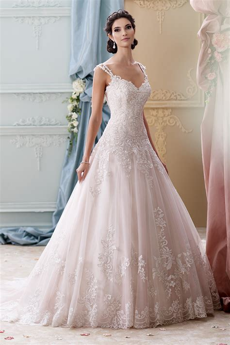 the 25 most pinned wedding dresses of 2014 bridal guide the 25 most pinned wedding dresses of 2015 huffpost