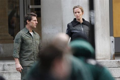 film tom cruise emily blunt tom cruise photos photos tom cruise and emily blunt film