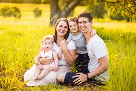 family portrait photographers millar family portrait gold coast family portrait photography