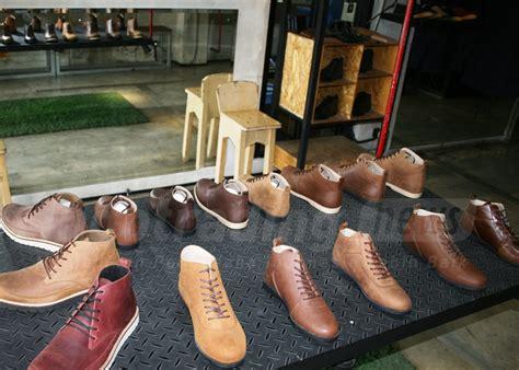 Kisaran Sepatu Brodo meski masih muda 4 pengusaha sepatu ini berhasil ekspor sepatu hingga ke eropa inspirasi