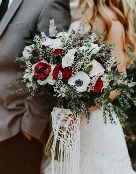 Wedding Bouquet Ideas For Winter by Our Favorite 9 Winter Bridal Bouquets Winter Wedding