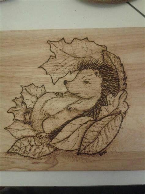 pyrography hedgehog   chopping board pyrography