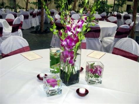 white glass pendant l simple wedding table centerpieces