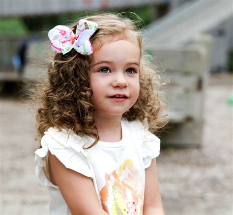 15 Elegant & Quick Curly Hair Styles for Little Girls