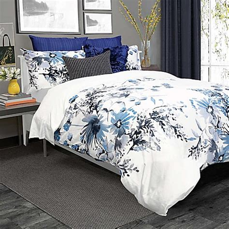 Bed Bath And Beyond Duvet Cover Sets Kyra Duvet Cover Set In Blue White Bed Bath Beyond