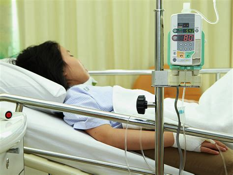 kid in hospital bed diabetes a big risk factor for surgical site infections
