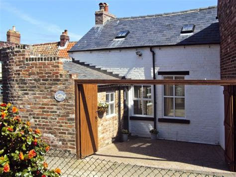 sandpiper cottage whitby york moors and coast