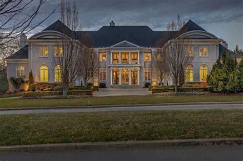 Miranda Lambert And Blake Shelton Buy Stunning New Nashville Home