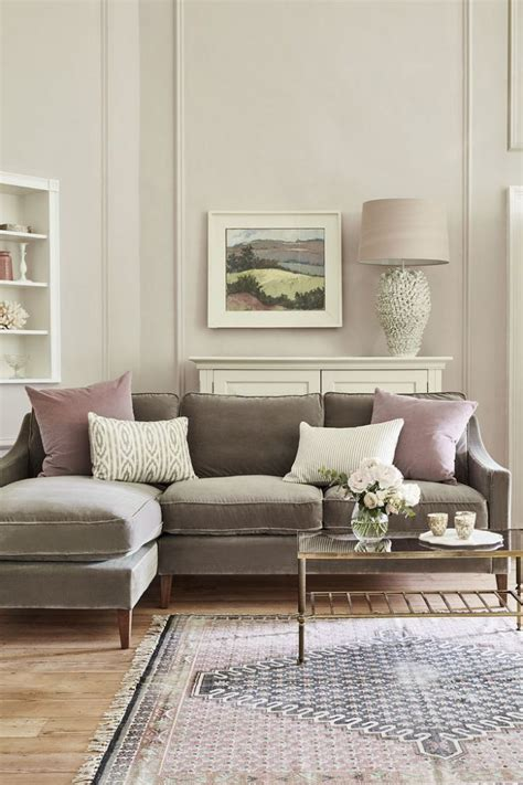 what colours go with a black sofa cushions for brown sofa ways to decorate with a brown sofa