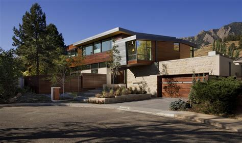 Modern Luxury House Exterior Modern large modern homes modern luxury mountain house