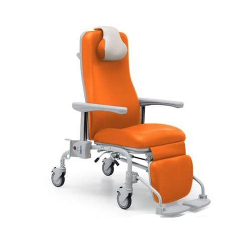 poltrona con ruote poltrone relax con ruote professionali per di cura e
