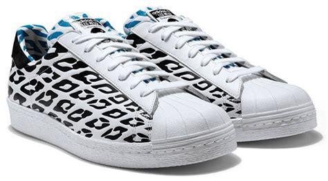 Sepatu Bola Adidas Battle Pack adidas samba battle pack shoes