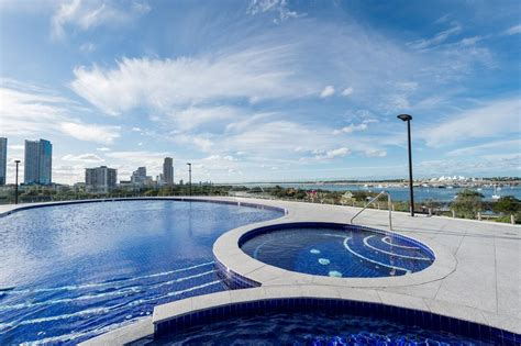 meriton appartments meriton serviced apartments southpo gold coast australia