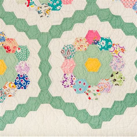 Vintage Scrappy Gfg Close Up Grandmothers Flower Garden Grandmothers Flower Garden Quilt Pattern