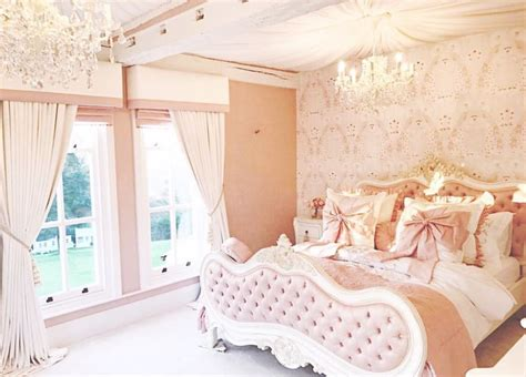 sparkly bedroom decor best 25 home decor store ideas on pinterest at home