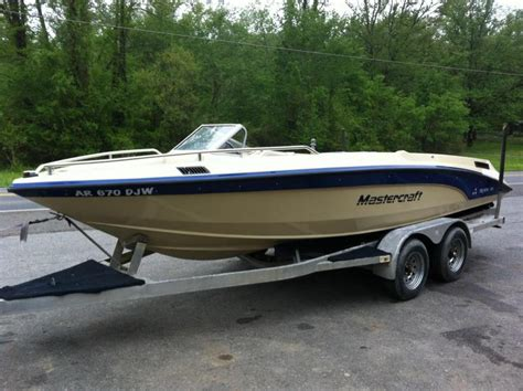 Mastercraft Boat Upholstery 1988 Mastercraft Tristar 190 Excellent Condition