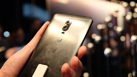porsche design mate 9 hands on with the huawei mate 9 a 5 9 inch phablet that