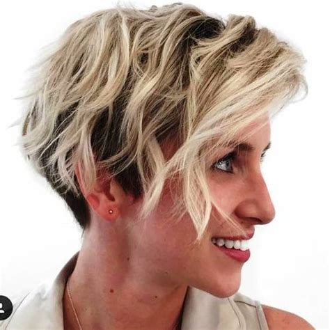 foil placement blonde rootfade 20 edgy ways to jazz up your short hair with highlights