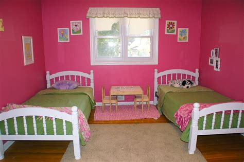 pink and green walls in a bedroom ideas pink wall room with glass windows combined with pictures