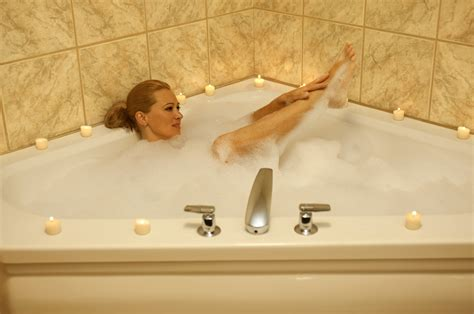 mature bathtub how to manage the sandwich generation juggling act 8