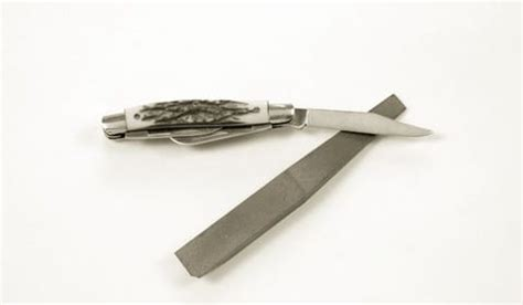 how to carry a pocket knife essential manual tools carry a pocket knife
